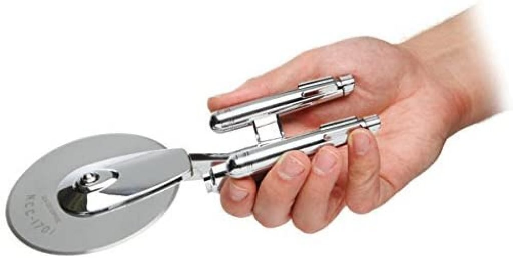 ThinkGeek Star Trek Enterprise Pizza Cutter - Laser-Etched Stainless-Steel Blade with Solid Zinc-Alloy Chromium-Plated Body 2
