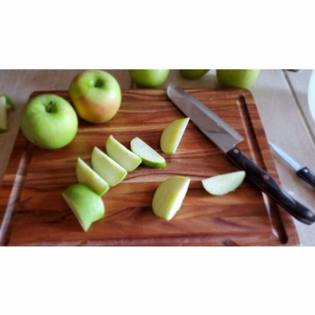 ZESPROKA Acacia Wood Cutting Board with apples on it