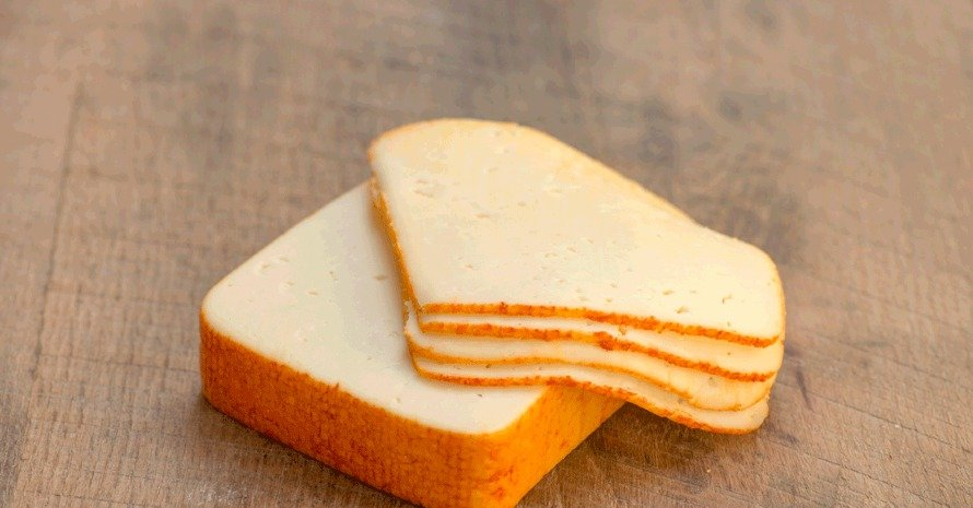 Muenster cheese at bread