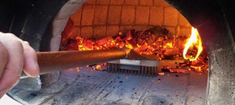 Best Pizza Oven Brush: A Helpful Guide on How to Choose One