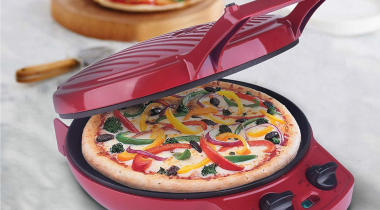 Courant Pizza Maker for Crispy and Tasty Pizza Lovers