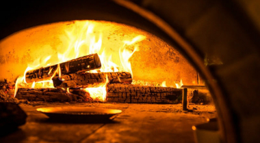 Best Wood for Pizza Oven: Why Pizza Oven Wood Is Important